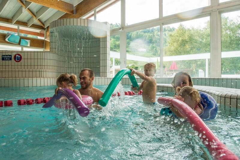 Complexe piscine loisirs La Bresse bassin ludique